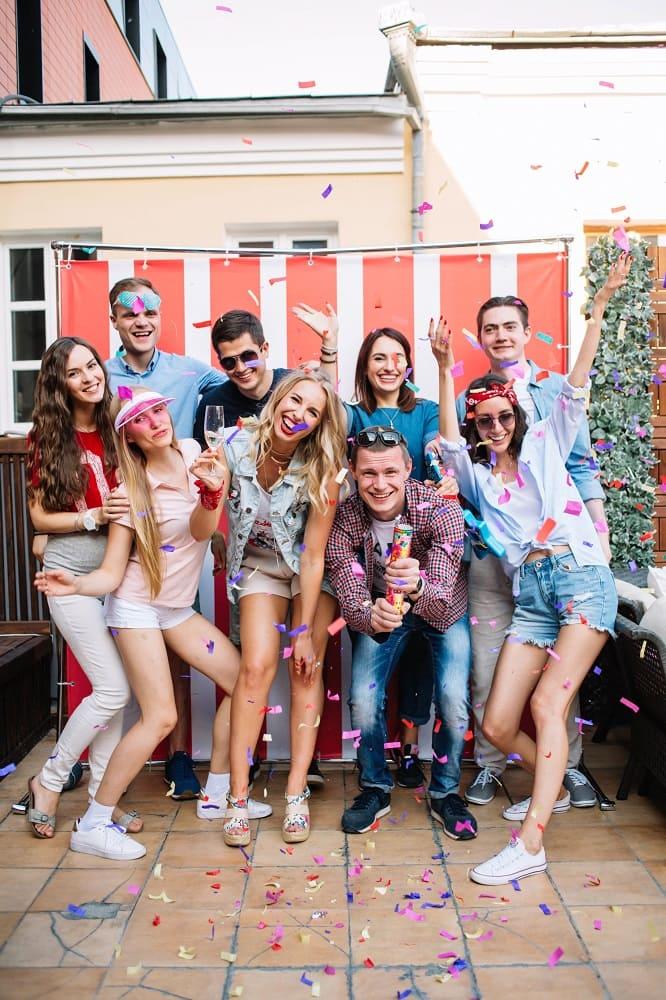 Как организовать тематическую вечеринку на день рождения?