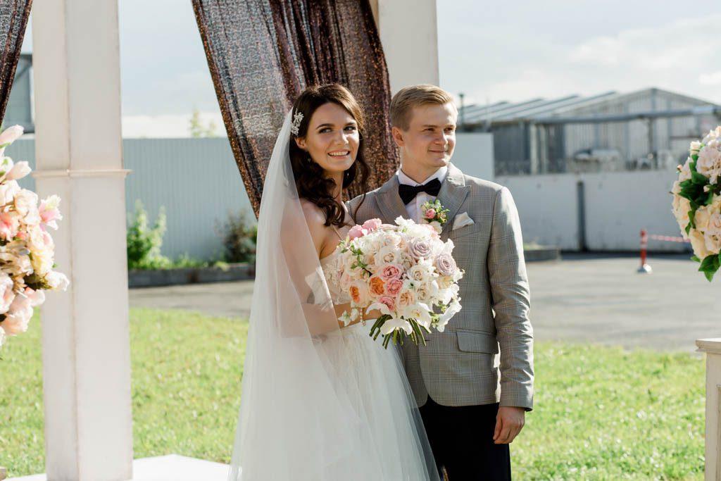 Украшения для свадебной прически - основа образа